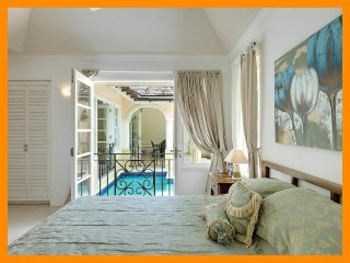The Falls Villa 1 - Charming townhouse with private plunge pool and gardens