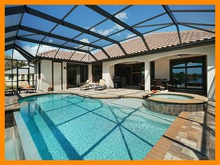 Cape Coral 136 - Luxury waterfront villa with a private pool and boat dock