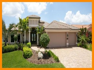 Cape Coral 24 - 5* waterfront villa with private pool and boat dock