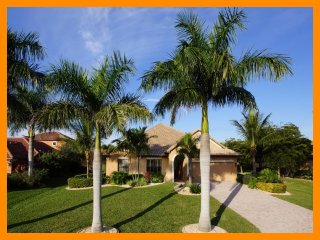 Cape Coral 30 - Premium waterfront villa with a private pool and boat dock