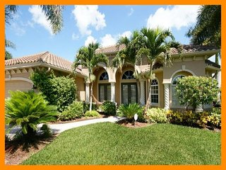 Cape Coral 26 - Premium waterfront villa with a private pool and boat dock