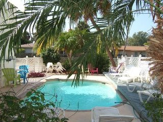 Gulf View Townhouse (Unit 2) remodeled, granite counters, new tile and carpet