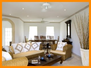 Stunning 3 Bed Villa with Shared Pool, Jacuzzi, Mullins