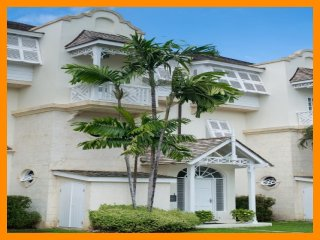 Stunning 3 Bed Townhouse with Private Pool, Paynes Bay