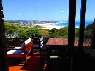 BEACHFRONT 4beds apart. AFRICAN QUEEN SOUTH AFRICA, Jeffreys Bay