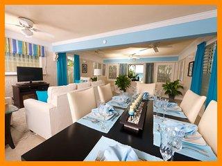 Stunning 2 Bedroom Beachfront Apartment, Paynes Bay