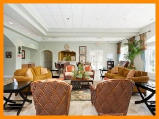 Luxury Family Condo - WiFi - 1.5 Miles to Disney, Celebration