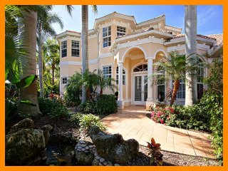 Cape Coral 45 - Premium waterfront villa with a private pool and boat dock