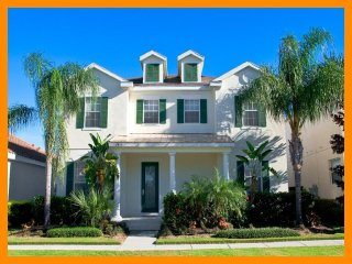 Luxury 5 Bed Home with Pool, Spa, Close to Disney, Celebration