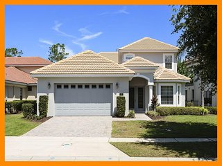 Fantastic 3 Bed Home with Pool, Spa, Near Disney, Celebration