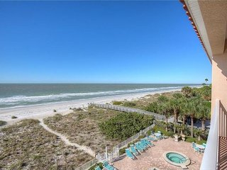 Updated Gulf Front Corner Penthouse Condo 2BR/2BA