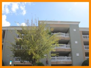 Reunion Resort 844 - Premium condo with free access to communal pool near Disney