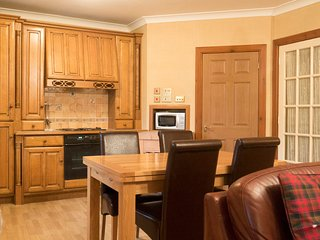 Montrose Apartment 2, Spacious 2 Bedroom Accommodation, Kilconquhar Castle