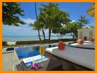 3012 - Great value beachfront villa with private pool