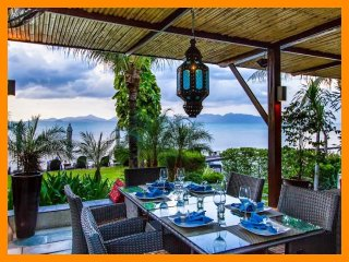 5014 - Beachfront luxury with Thai chef service