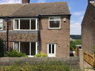 Executive 3 bed semi with great views over Peak District, Sheffield