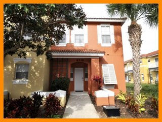 Emerald 105 - Exclusive townhouse just 2 miles from Disney