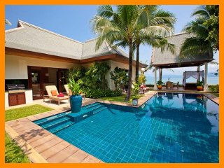 2082 - Beachfront luxury with Thai chef service and shared gym