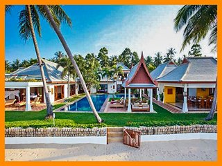 4026 - Beachfront luxury with Thai chef service and shared gym