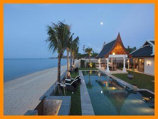 6044 - Beachfront (sleeps 12 + 6 kids) Thai chef service and shared gym, Mae Nam