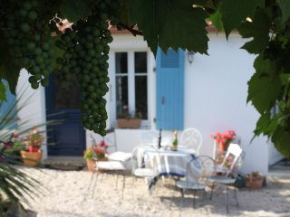 Les Clos du Marais Luxury B&B - Room Hortensia (sleeps 2), Curzon