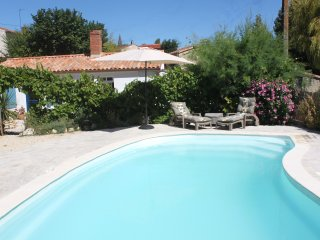 Les Clos du Marais Boutique B&B. Scrummy food and heated pool. Double bedroom.