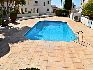 3 Bed Detached Villa - 5 Mins from Coral Bay Beaches - Pool - Wifi