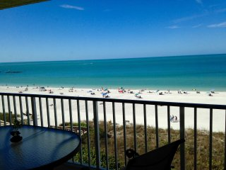 BEACHFRONT!! Apollo condominium #605.  One Bedroom vacation paradise.