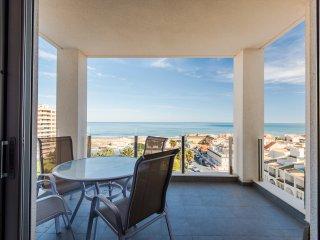 Nuevo apartamento con vista al mar