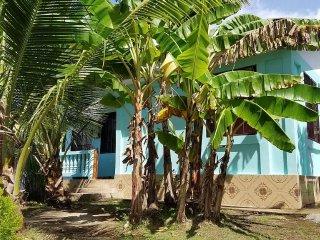 Long Bay Hideaway - Blue House - 2 Bedrooms, Big Corn Island
