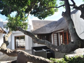 Cottage on College (4 Sleeper) Room Only, Saint Francis Bay