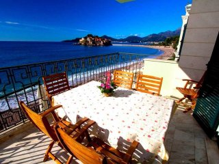 Dream beachfront apartment on Sveti Stefan #BF