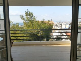 Villa Ira - Spacious Villa-apartment with sea view, on top of a pine-hill