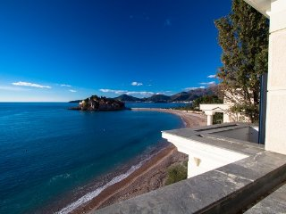 Amazing apartment on the sea foam, Sveti Stefan #B3
