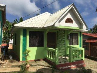 Long Bay Hideaway - Green House - 1 Bedroom, Big Corn Island