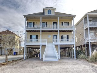 Island Drive 4420 Oceanfront-B Lot! | Hot Tub, Elevator, Jacuzzi, Internet