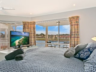 SALT Waterfront Apartment - 3 Bedroom Waterfront Apartment, Port Lincoln