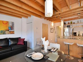 Downtown Victoria 1 Bedroom Condo in the Heart of the Historic District