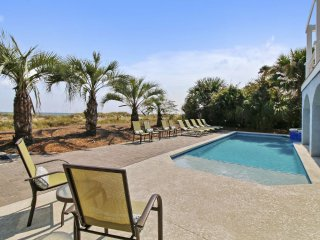 Spectacular Oceanfront 6 Bedroom Beach Home with Extra Large Pool, Hilton Head