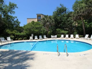 2 Bedroom/2 Bath Xanadu Villa, Short Walk to the Beach, Hilton Head