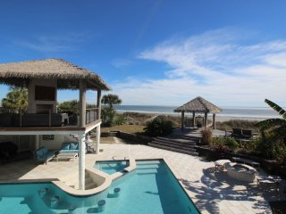 Sweet Carolina Oceanfront Home, Private Pool, Hot Tub & Tiki Bar