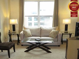 Prime Downtown Location - 1 Bedroom Suite with Free Parking