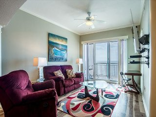 Beautiful 2 bedroom /2 bath condo with Gulf views!