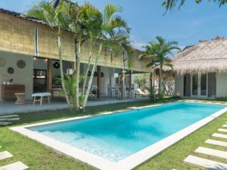 Beautiful 8 bedroom villa in Seminyak Square - 2 pools