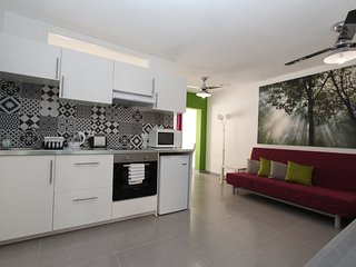Gr8padz 2 bedroom garden Apartment, central Ayia Napa sleeps 6