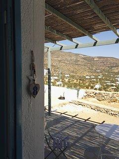 L'entrée de l'appartement porte  n°8 face à la baie