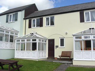 Grooms Cottage, Near Tenby with indoor swimming pool, St. Florence