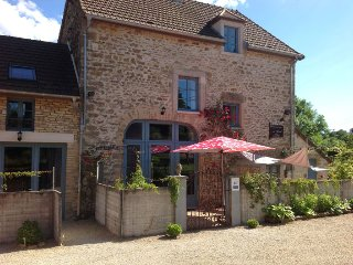 Au cheval bleu- in the heart of beautiful Burgundy