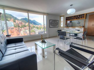 Bright & Stylish Mountain Views next to Zona Rosa, Bogota