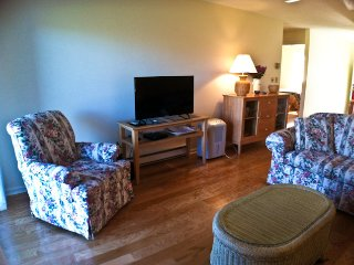 Ocean Edge Street Level with Pool (fees apply) - CH0537
